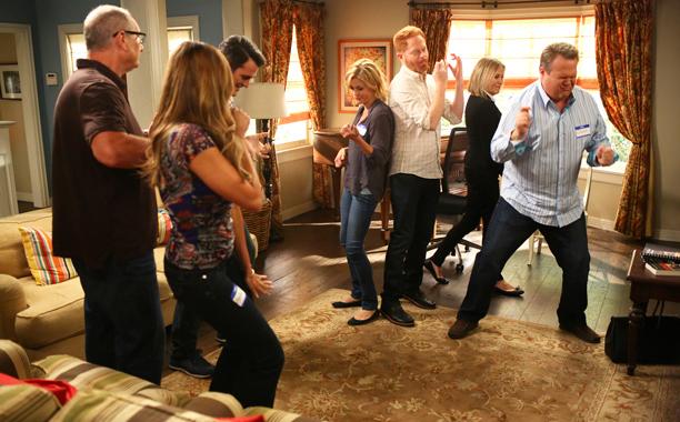 Modern Family Season 7 Episode 8 Screenranks